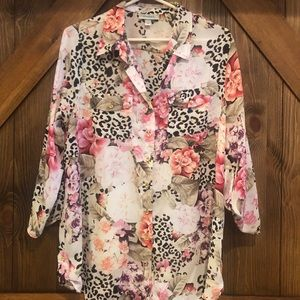 5/$25 Sateen blouse w/ animal print and flowers